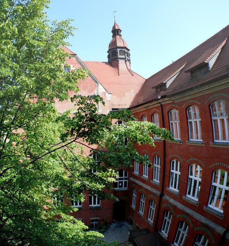 2courtyardGimnazjumKatowice