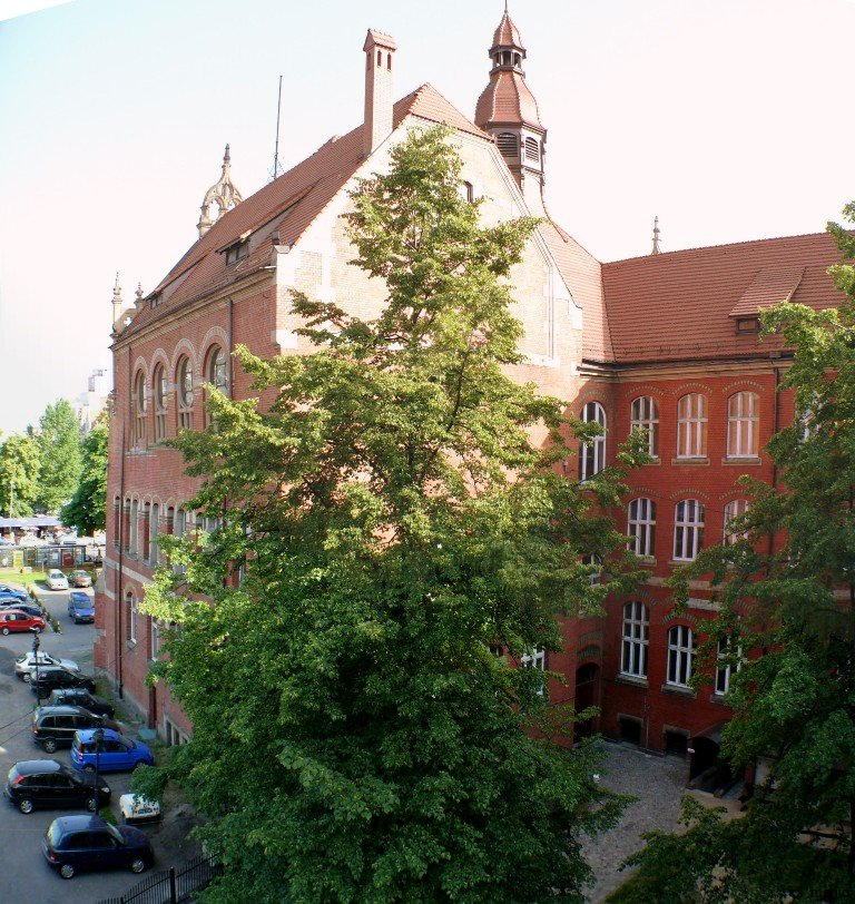3courtyardGimnazjumKatowice