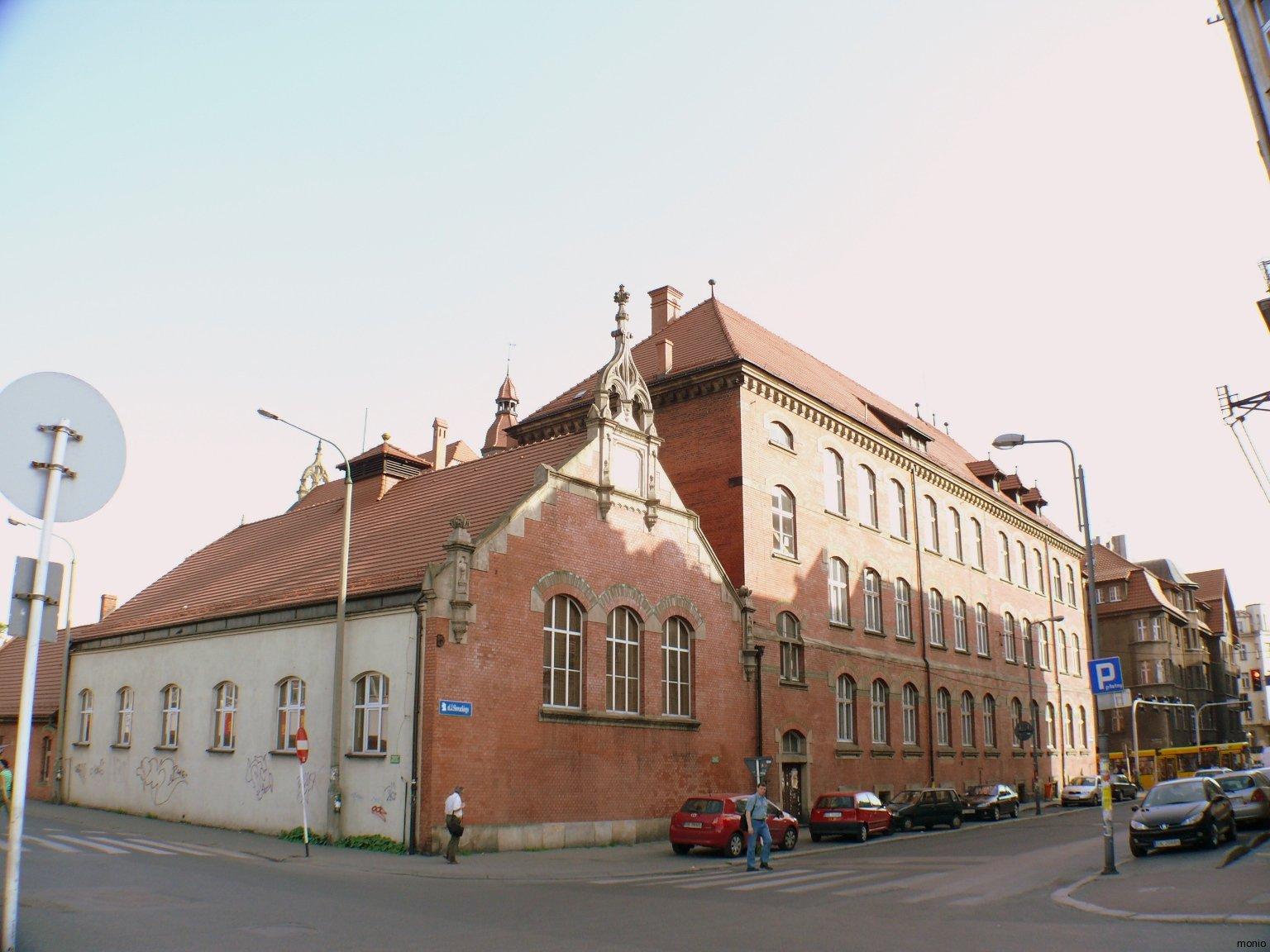 8elevGimnazjumKatowice